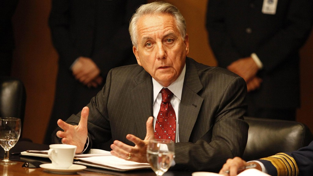 Bob Gunton as Ethan Kanin in 24 Season 8 Episode 14