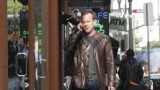 Jack Bauer talking on phone 24 Season 8 episode 19