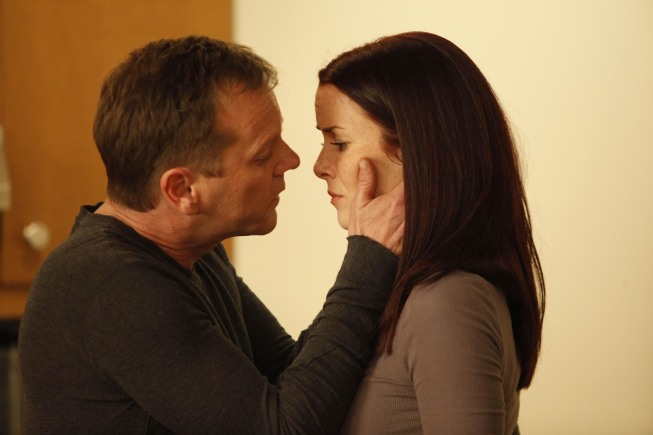 Jack and Renee Kiss - 8x17