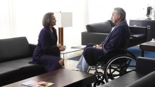 President Allison Taylor and Ethan Kanin 24 Season 8 episode 17