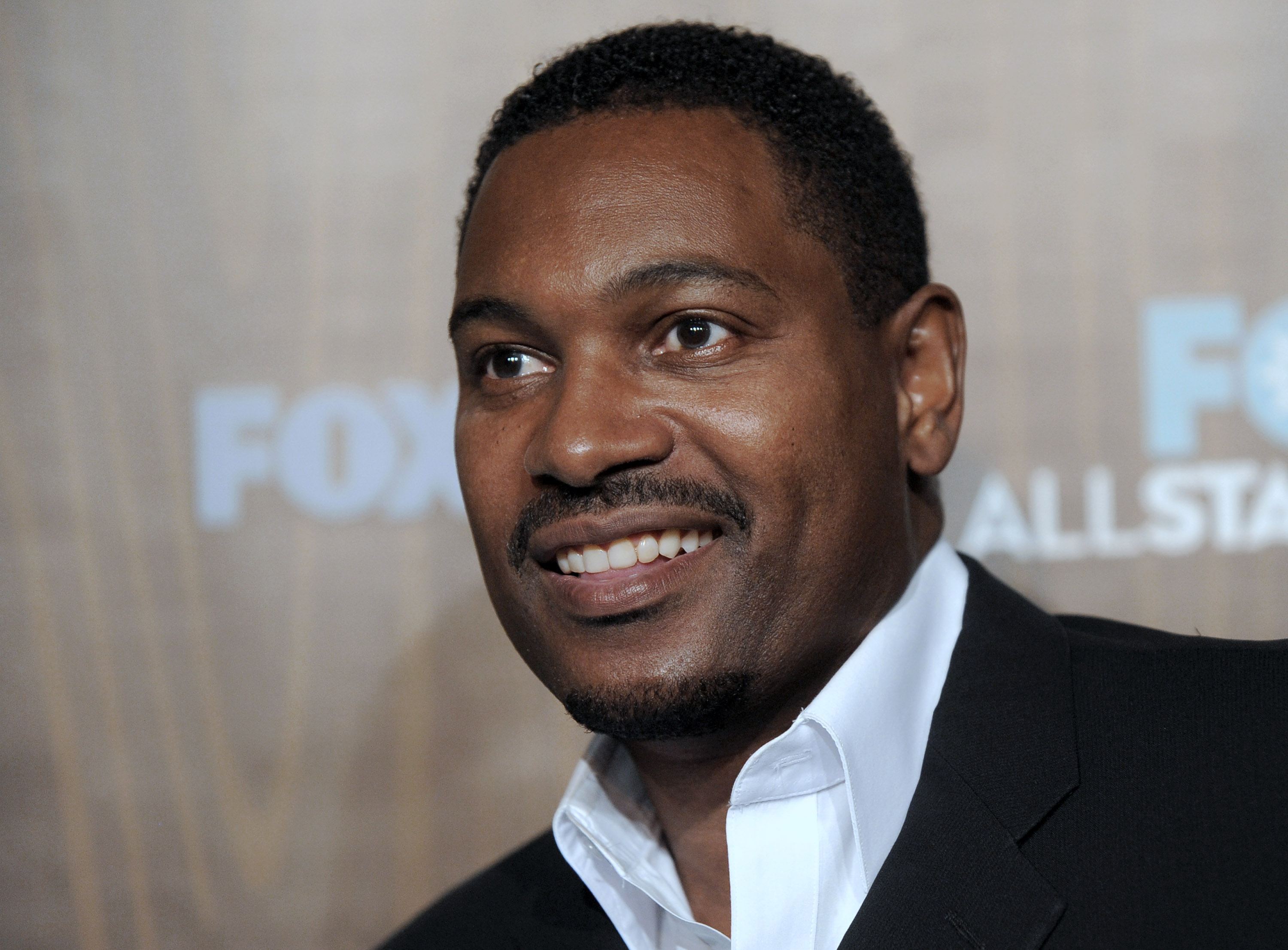 Mykelti Williamson earned a  million dollar salary - leaving the net worth at 4 million in 2018