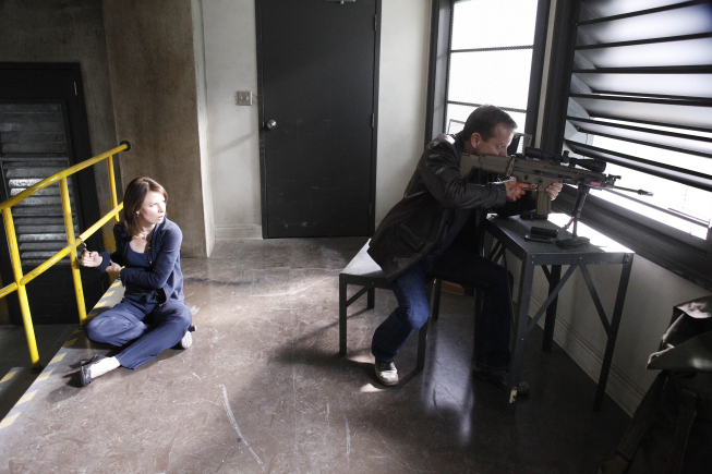 Jack Bauer takes aim with sniper rifle 24 series finale