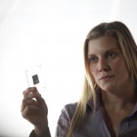 Dana Walsh shows Jack Bauer the evidence