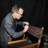 Kiefer Sutherland signs chair at 24 Series Finale Party
