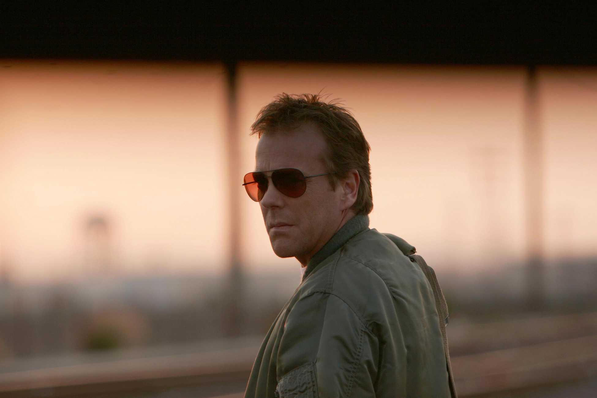 24 season 4 finale jack bauer on the train tracks 24 season 4 finale