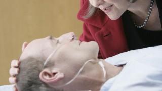 Allison Taylor visits Henry Taylor at the hospital 24 Season 7 Episode 9