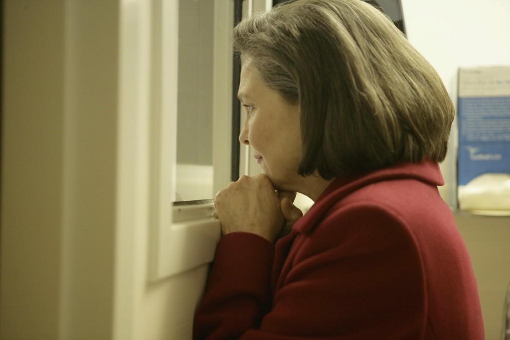 Allison Taylor at the hospital 24 Season 7 Episode 9
