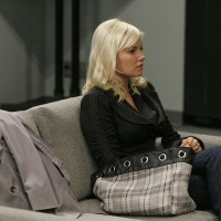 Elisha Cuthbert as Kim Bauer 24 Season 7 Episode 18