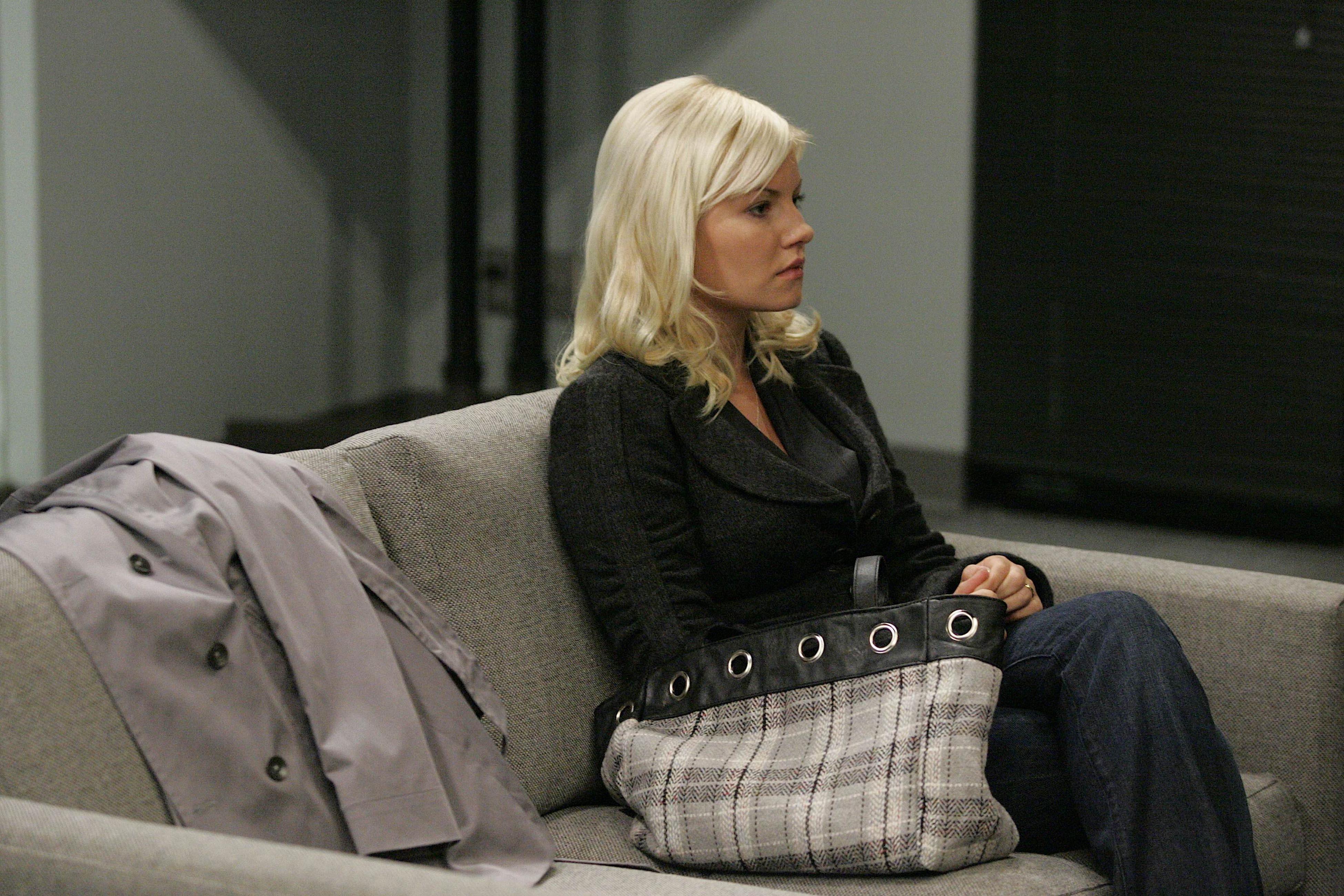 Elisha Cuthbert as Kim Bauer 24 Season 7 Episode 18 - 24
