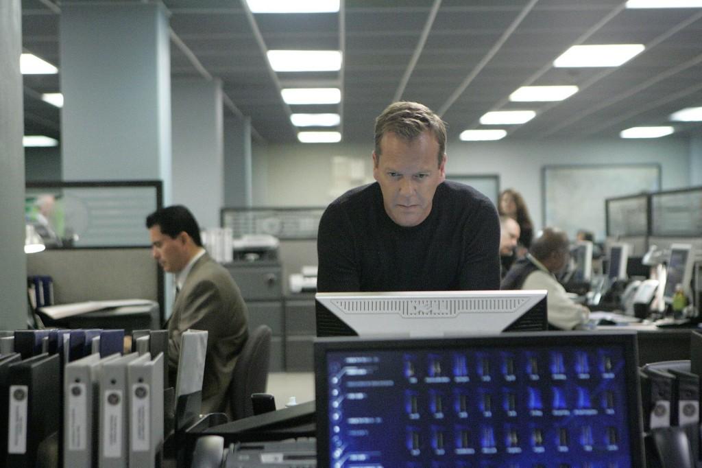 Jack Bauer uses FBI computer 24 Season 7 Episode 18