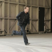 Jack Bauer running 24 Season 7 Episode 6