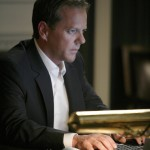 Jack Bauer uses computer 24 Season 7 Episode 14
