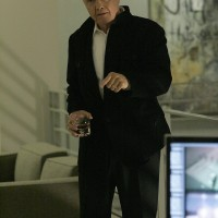 Jon Voight as Jonas Hodges in 24 Season 7 Episode 17