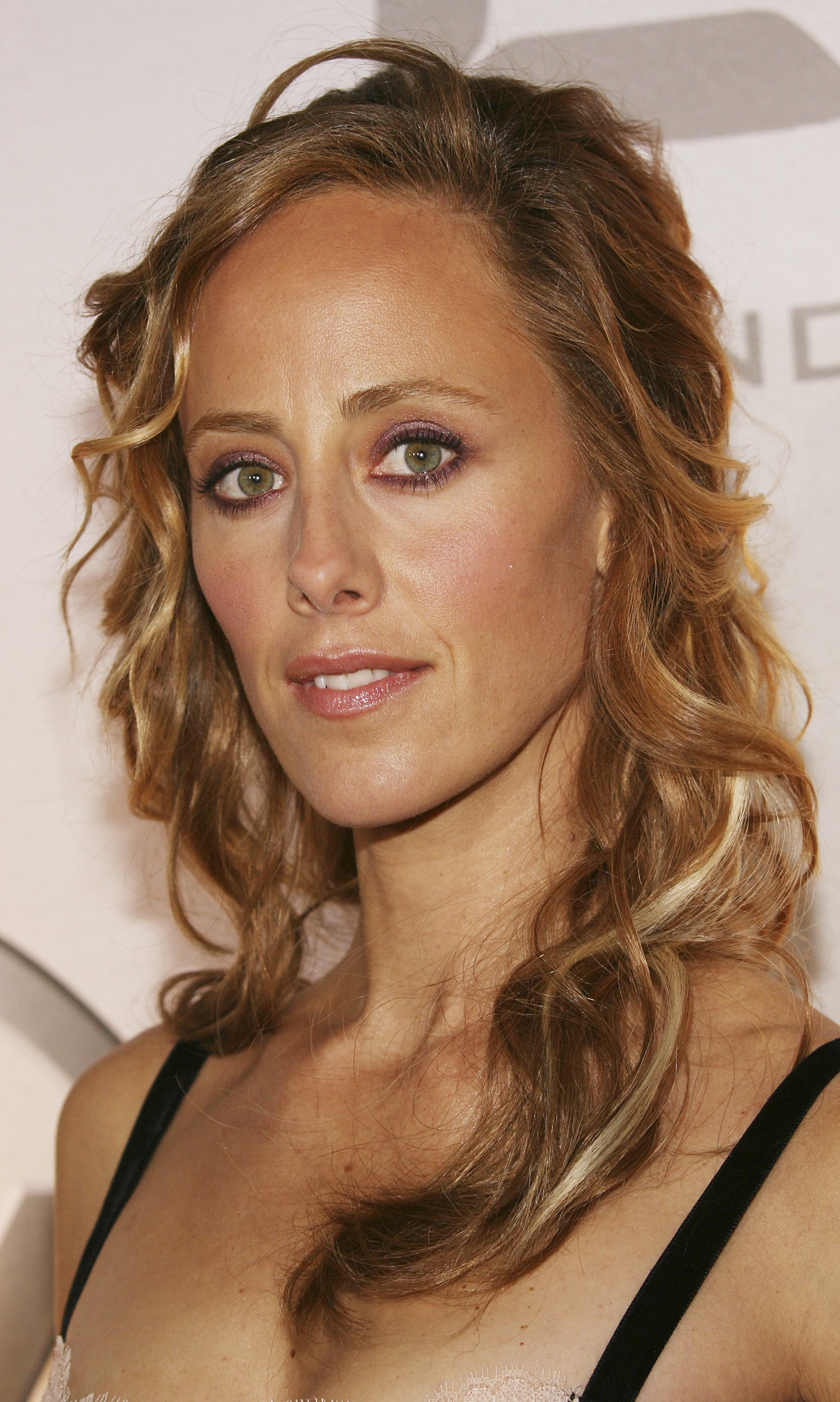 Watch Kim Raver video
