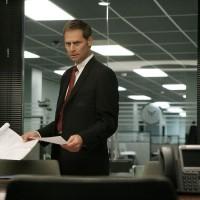 Jeffrey Nordling as Larry Moss in 24 Season 7 Episode 10