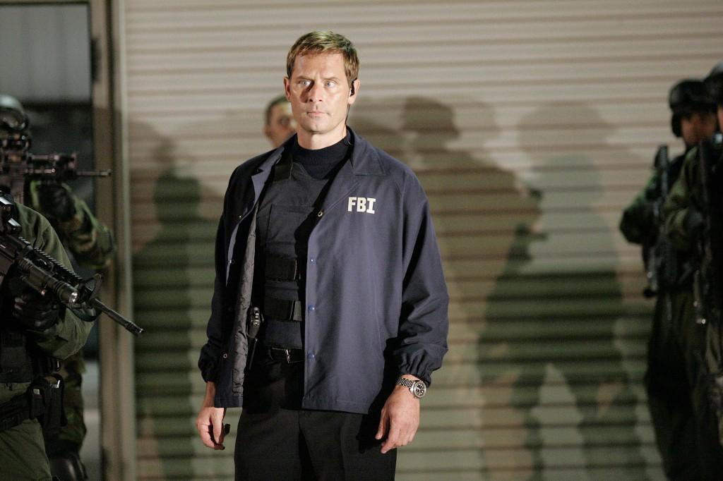 Larry Moss at Starkwood compound 24 Season 7 episode 17