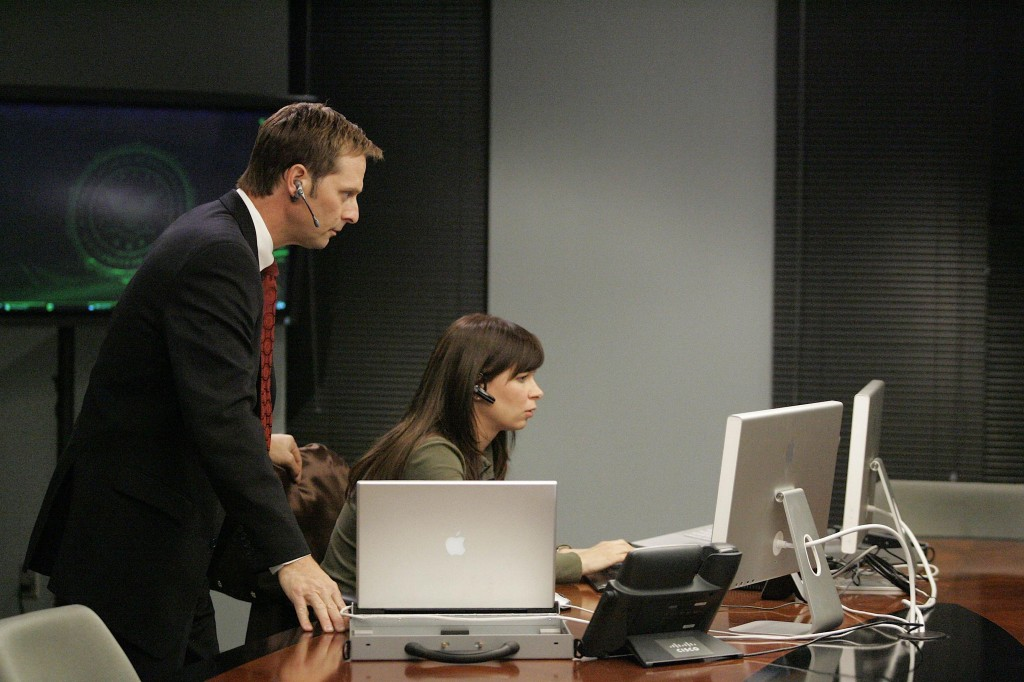 Larry Moss and Chloe O'Brian at FBI 24 Season 7 Episode 9