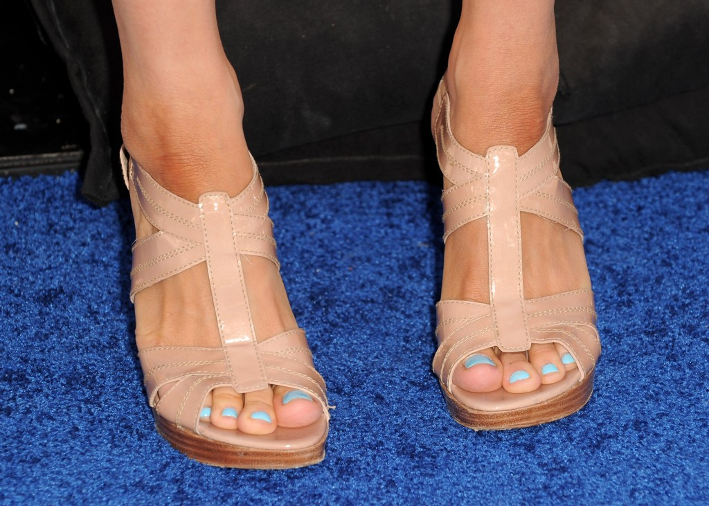 Mary Lynn Rajskub feet