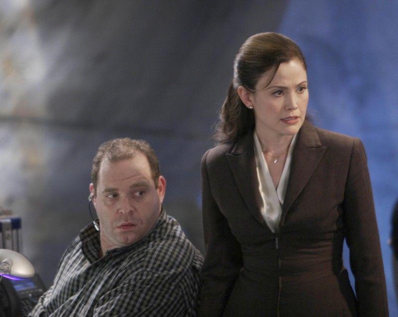 Michelle Dessler and Edgar Stiles 24 Season 4 Episode 11
