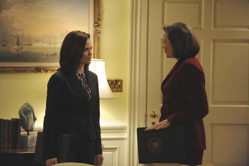 Olivia and President Allison Taylor 24 Season 7 Episode 19