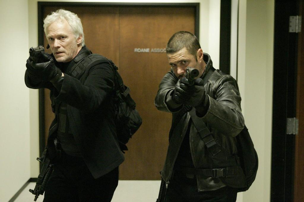 Tony Almeida and Bill Buchanan with guns 24 Season 7 Episode 7