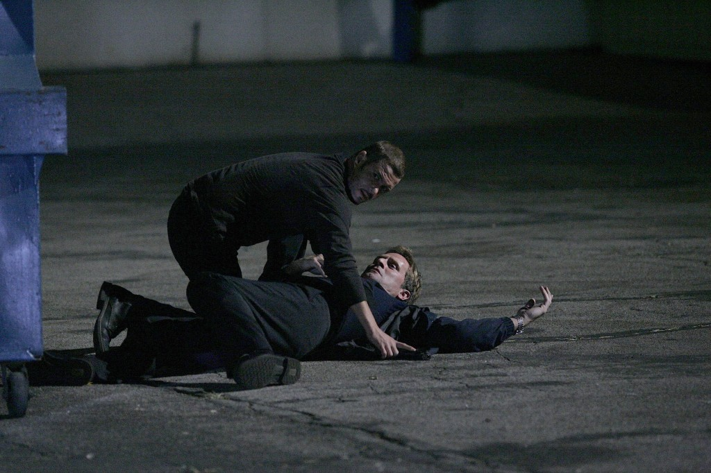 Tony Almeida kills Larry Moss 24 Season 7 Episode 18