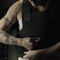 Kiefer Sutherland in The Confession bulletproof vest, tattoos