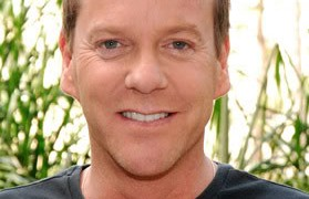 Kiefer Sutherland smiling