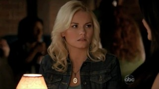 Happy-Endings-Elisha-Cuthbert-24-cougar-reference