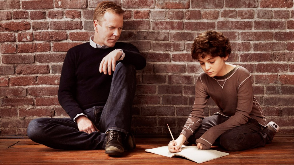 Kiefer Sutherland and David Mazouz in a Touch season 1 promotional photo