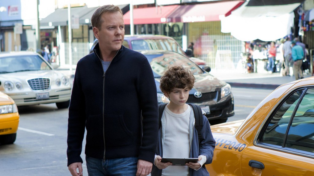 Kiefer Sutherland and David Mazouz in Touch