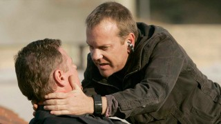 Jack Bauer attempts to save a wounded James Nathanson in 24 Season 5 Episode 9