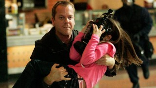 Jack Bauer rescues a girl in Sunrise Hills Shopping Mall