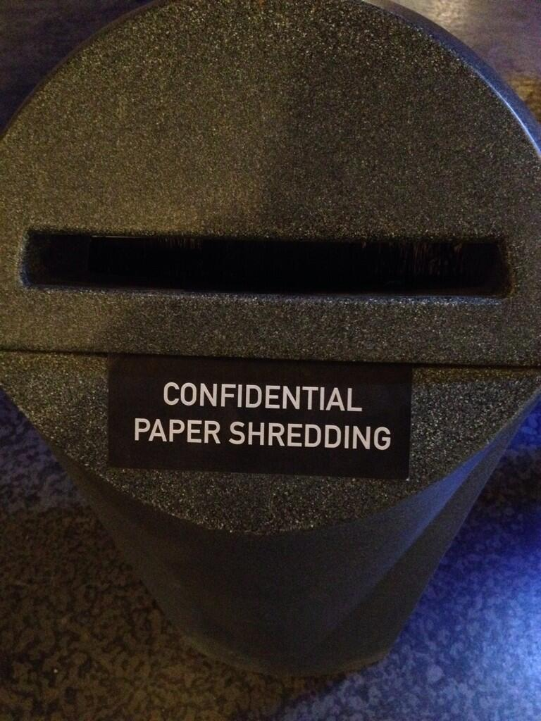 24: Live Another Day Set - Paper Shredder