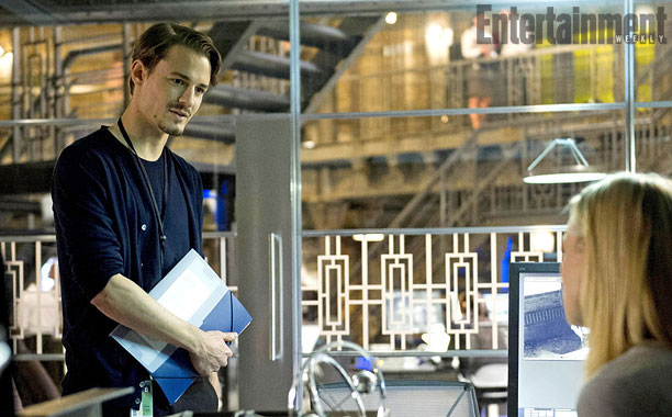 Giles Matthey as Jordan Reed, a smart and sophisticated CIA computer tech