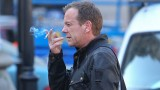 Kiefer Sutherland smoking on set of 24: Live Another Day