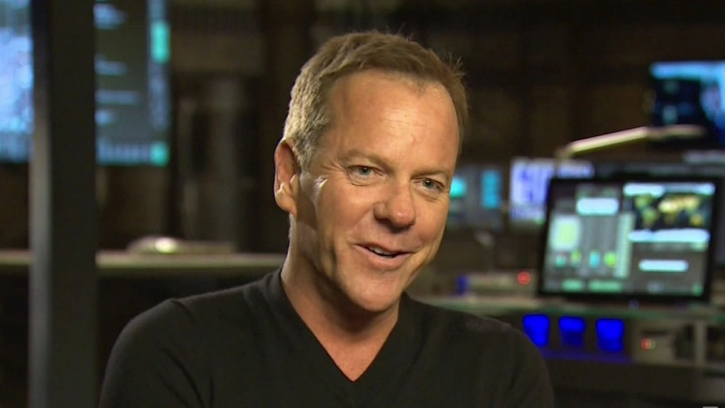 Kiefer Sutherland on Extra - March 25, 2014