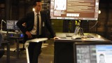 Steve Navarro (Benjamin Bratt) briefs his team in 24: Live Another Day Episode 5