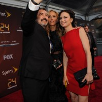 Jon Cassar, Kim Raver, and Mary Lynn Rajskub take a selfie at 24: Live Another Day premiere