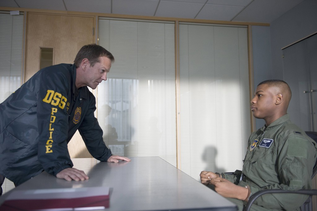 Jack Bauer questions Chris Tanner in 24: Live Another Day Episode 4