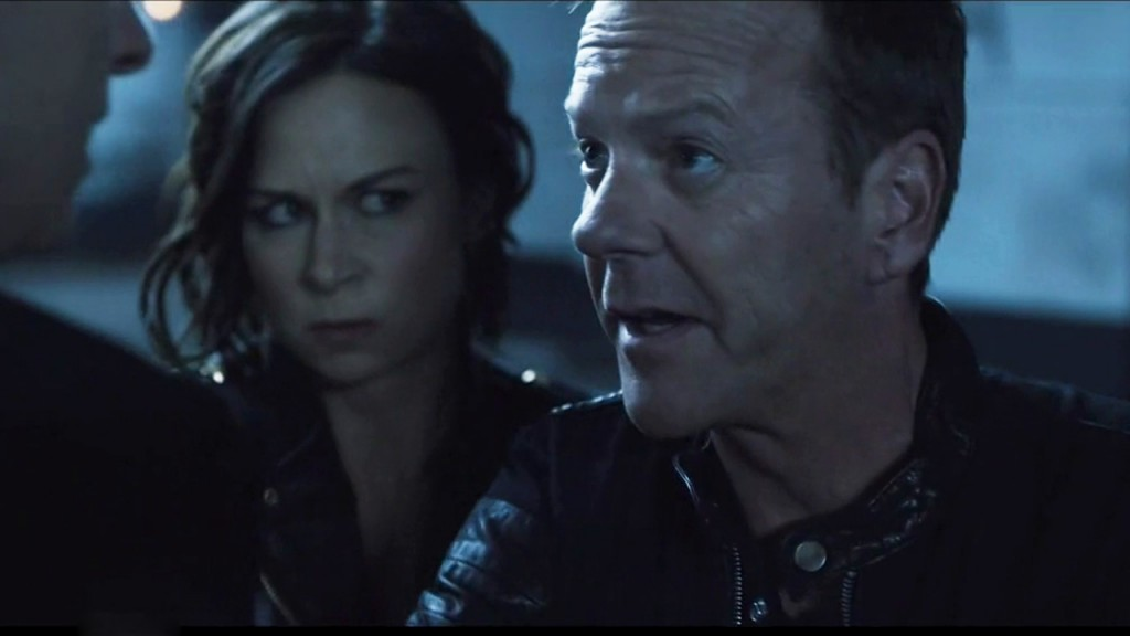 Kiefer Sutherland and Mary Lynn Rajskub in SNL cameo