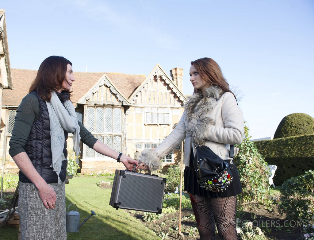 Michelle Fairley and Emily Berrington in 24: Live Another Day Episode 3