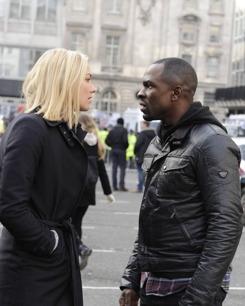 Kate Morgan (Yvonne Strahovski) and Erik Ritter (Gbenga Akinnagbe) discuss their next move in 24: Live Another Day Episode 5
