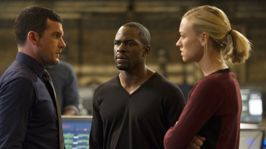 Kate Morgan (Yvonne Strahovski) and Erik Ritter (Gbenga Akinnabge) in 24: Live Another Day Episode 10
