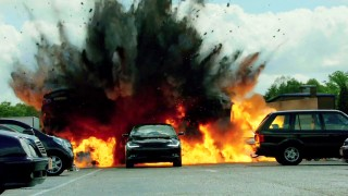 Jack Bauer drives the 2015 Chrysler 200 in 24: Live Another Day Episode 7