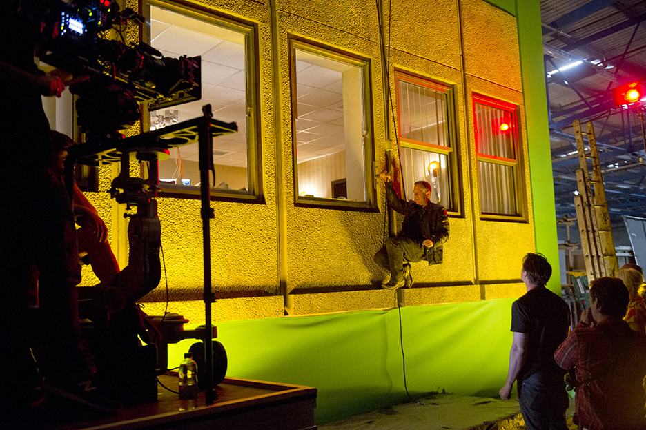 Kiefer Sutherland behind the scenes of 24: Live Another Day Episode 9