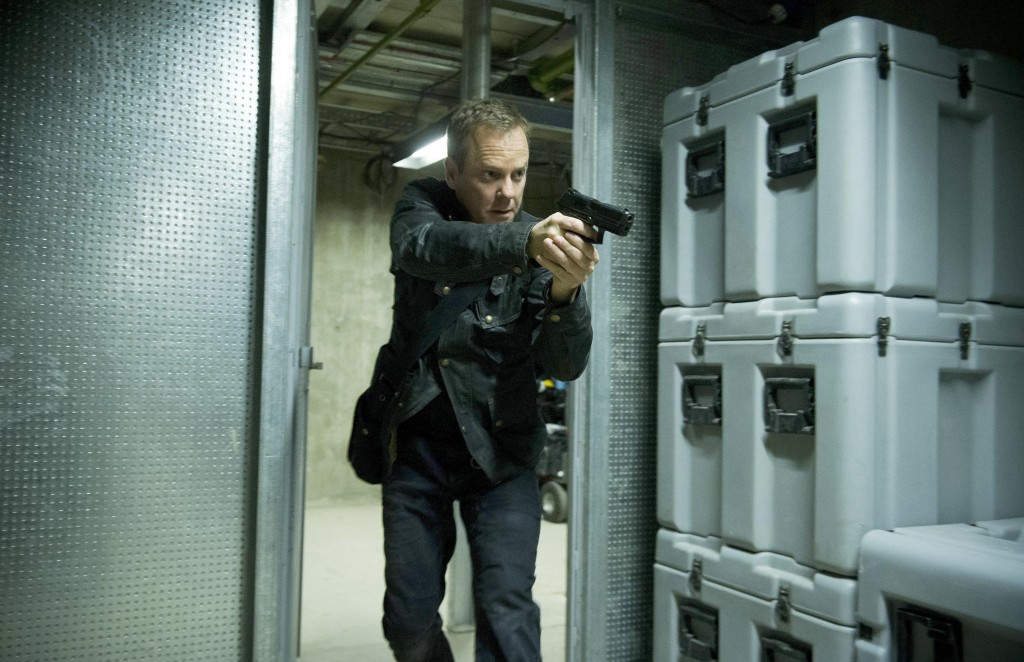 Jack Bauer (Kiefer Sutherland) chases Navarro in 24: Live Another Day Episode 9