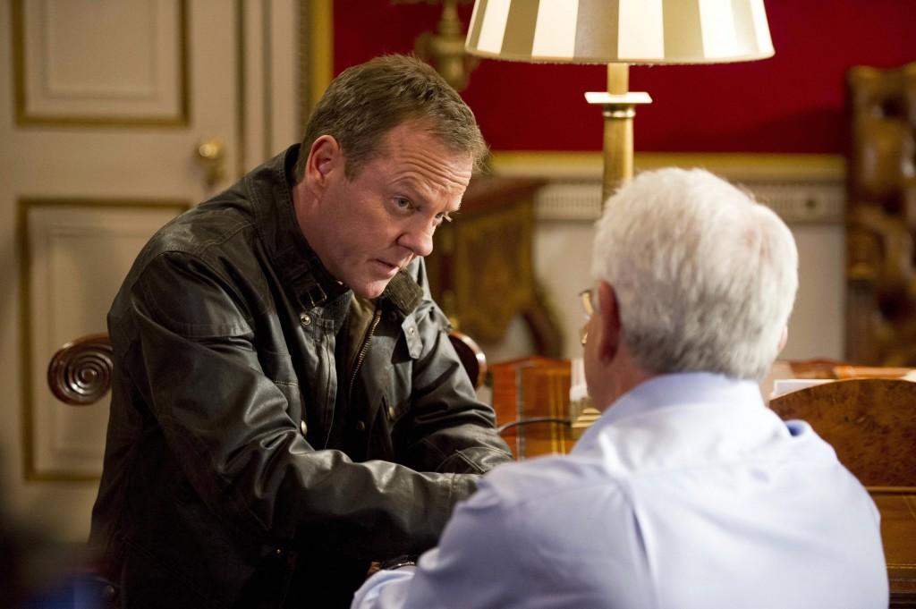 Jack Bauer (Kiefer Sutherland) removes President Heller's transponder in 24: Live Another Day Episode 8