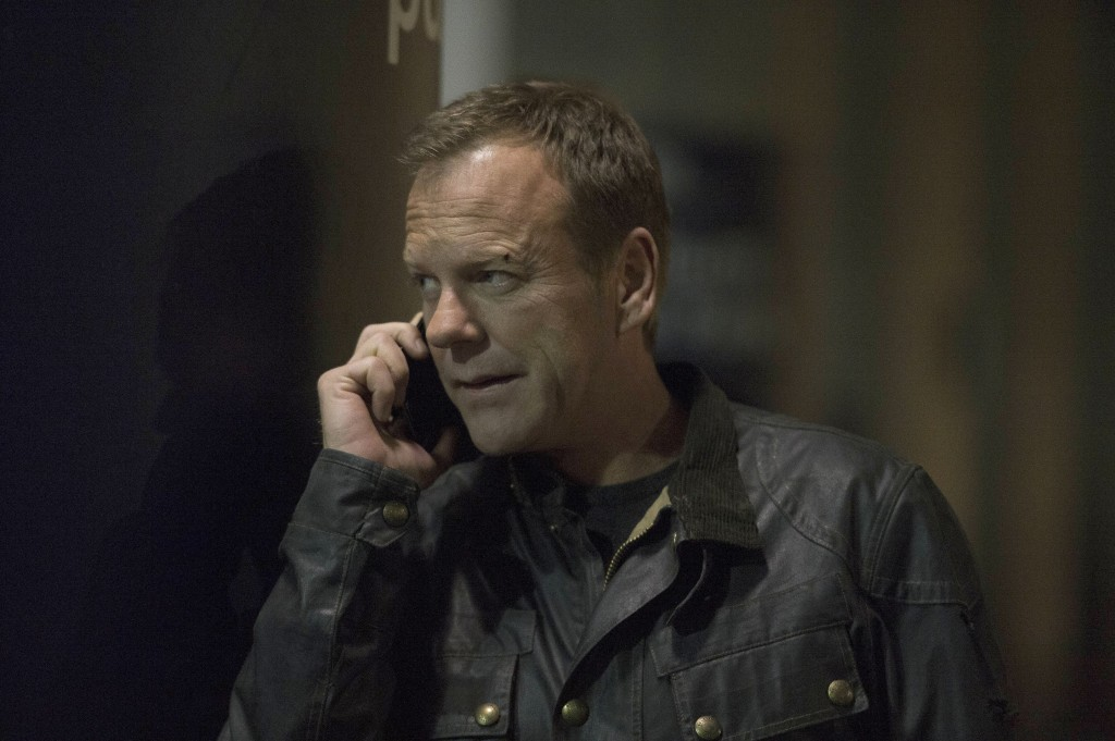 Jack Bauer (Kiefer Sutherland) gives good news to President Heller's team in 24: Live Another Day Episode 9