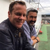 Kiefer Sutherland with director Jon Cassar, last day of filming on 24: Live Another Day